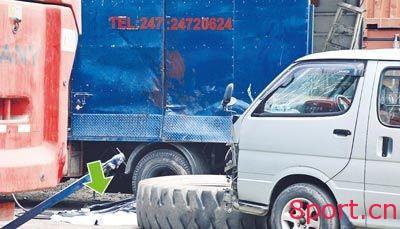 正面吊轮胎爆炸事故及轮胎拆卸操作规程-港口技术安全网