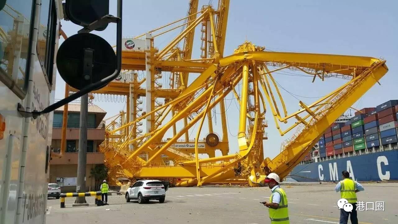 港口很危险!又一起集装箱船撞击岸桥致倒塌事故,1死1伤!丨转自港口圈-港口技术安全网