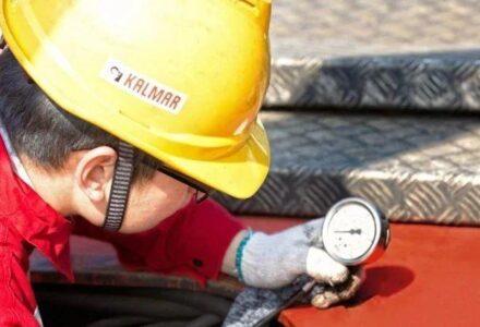 【快速维修故障案例及研讨类技术文】卡尔玛DRT450正面吊大臂起升动作慢的快速维修-港口技术安全网