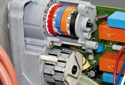 PLC是怎么控制伺服电机的?如何设计一个伺服系统?-港口技术安全网
